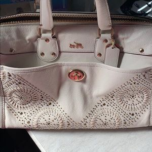 Lightly used Coach Retail purse!